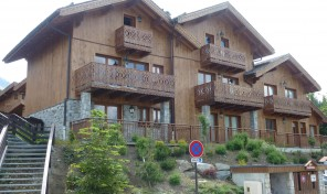 Charming two bed ski-in apartment in a picturesque hamlet with great views  34311TCF73B