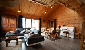 Classic savoyard chalet with great mountain views  30494TCF73